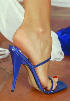 "Wow what great ""heels""!... oh and pretty shoes :)"