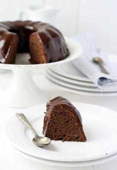 Bizcocho de chocolate con patata , ¿De patatas y chocolate? Sí, bizcocho de chocolate con patata. Fritas, asadas, cocidas. En ensaladas, en guisos, como guarnición, en tortilla, en c...