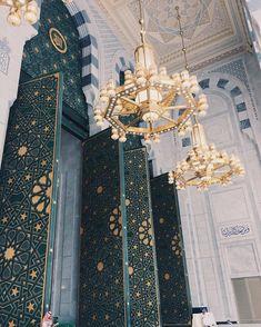 "islamicthinking: ""Huge doorway entrances to Masjid-Al-Haram, Makkah. Masjid Al Haram, Mecca Masjid, Mecca Wallpaper, Islamic Wallpaper, Mosque Architecture, Art And Architecture, Mekkah, Wallpaper Aesthetic, Beautiful Mosques"