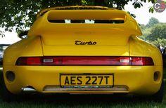 Porsche Porsche 993, Porsche Carrera, Cool Sports Cars, Sport Cars, Cayman Gt4, 70s Cars, Chasing Cars, 911 Turbo, Futuristic Cars