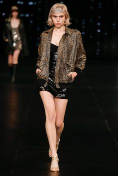 Saint Laurent Spring 2016 Ready-to-Wear Fashion Show - Julia Cumming (Marilyn)