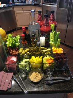 Champagne brunch ideas bloody mary ideas for 2019 Party Drinks, Fun Drinks, Yummy Drinks, Vodka Drinks, Beverages, Brunch Bar, Champagne Brunch, Drinks Alcohol Recipes, Cocktail Recipes