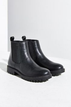 dc8c99c9f6 7 Best Black leather chelsea boots images