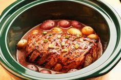 Slow cookers are a wonderful convenience, but anytime you're dealing with low temperatures over long time periods, food safety is a concern. food Make Sure You're Using Your Slow-Cooker Safely Best Slow Cooker, Crock Pot Slow Cooker, Slow Cooker Recipes, Crockpot Recipes, Cooking Recipes, Healthy Recipes, Cooking Tips, Healthy Dinners, Delicious Recipes