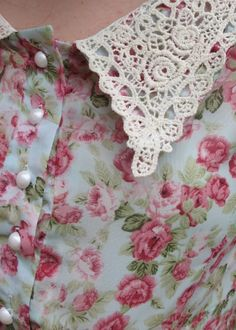 Pretty floral, lace and pearls!