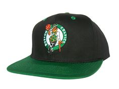 302af0c4be8 BOSTON CELTICS Retro Old School Snapback Hat - NBA Cap - 2 Tone Black Dark  Green  Amazon.co.uk  Sports   Outdoors