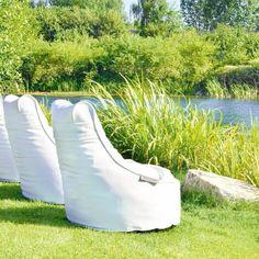 De zon, de zitzak en een goed boek, meer heb ik op deze plek niet nodig... #outbag #ligbed #outdoor #buitenzitzak #outdoorbeanbag
