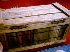 Trunk!! I WANT!!!! made out of pallets!