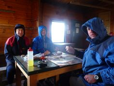quick fuel stop (out of 45 knot wind) at Ketetahi Hut.