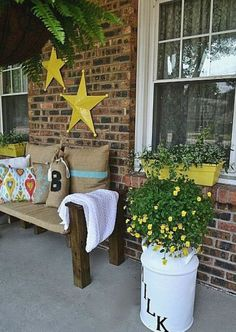 Decoration, Astonishing Green Ideas Summer Porch Decor With Outdoor Living Room Decor Ideas For Apartments: 36 Enjoyable Small Summer Front Porch Decorating Ideas