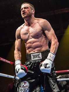 PHOTO: Jake Gyllenhaal Gets Amazingly Ripped (and Shirtless) for New Movie http://www.people.com/article/jake-gyllenhaal-shirtless-ripped-abs-southpaw-photo-pic