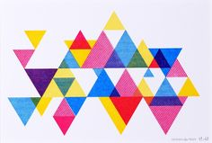 My heart fluttered a little when I saw these cards and prints by Design des Troy . Triangles have been creeping into my designs for the . Geometric Patterns, Geometric Designs, Textures Patterns, Geometric Shapes, Print Patterns, Solid Shapes, Geometric Graphic, Abstract Shapes, Triangles