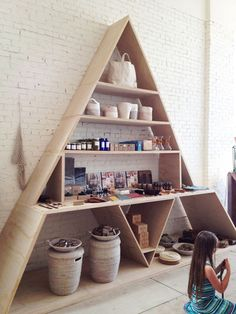 oooh new DIY shelving inspiration to put on the honey do list.