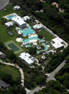 Home >Luxury Real Estate >Céline Dion's Florida mansion listed http://www.luxuo.com/luxury-locations/celine-dion-jupiter-island-florida-mansion.html