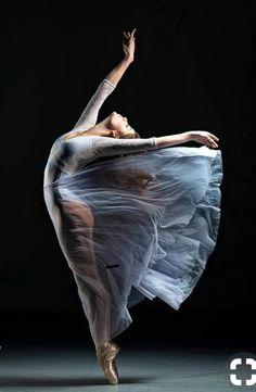Modern Dance Photography Inspiration Life New Ideas Dance Photography Poses, Dance Poses, Ballerina Photography, Contemporary Dance Photography, Contemporary Ballet, Ballet Art, Ballet Dancers, Ballerinas, Modern Dance