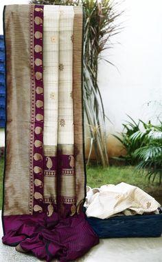 Lakshmi Handwoven Tussar Silk Sari 000505 - Saris/ Banarasi - Parisera Indian Silk Sarees, Tussar Silk Saree, Kanchipuram Saree, Soft Silk Sarees, Cotton Saree, Traditional Sarees, Traditional Fashion, Indian Attire, Indian Ethnic Wear