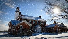 light house, Fort Gratiot light house, winter, snow, sunrise, photography, Cheryl Cencich photography