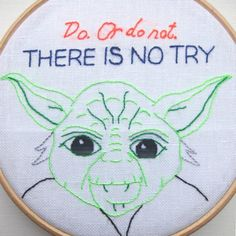 Simple Yoda Embroidery Pattern - Star Wars crafts are the best! Simple Hand Embroidery Patterns, Embroidery Hoop Crafts, Types Of Embroidery, Embroidery Transfers, Cross Stitch Embroidery, Embroidery Designs, Star Wars Crafts, Geek Crafts, Yoda Quotes