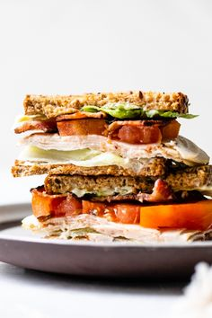 A classic Turkey Club sandwich made healthy, piled high with turkey breast, bacon, lettuce, and tomato on whole grain bread, the perfect easy lunch. #turkey #sandwich #turkeyclub Low Carb Sandwiches, Sandwiches For Lunch, Turkey Sandwiches, Wrap Sandwiches, Sandwich Ideas, Ww Recipes, Dinner Recipes, Cooking Recipes, Skinnytaste Recipes