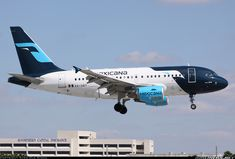 Mexicana XA-UBT Airbus A318-111 aircraft picture