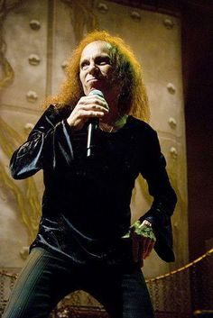 TIL Ronnie James Dio replaced Ozzy Osbourne as Black Sabbaths lead singer in 1979 Portsmouth, Black Sabbath, New Hampshire, Tony Iommi, 30 Day Music Challenge, James Dio, Heaven And Hell, Judas Priest, Dios