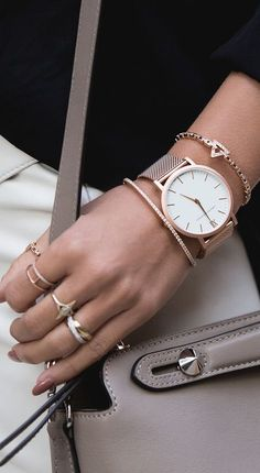 Please visit our website for more models and pictures . aktuelle modetrends frauen schmuck ringe a Ring Armband, Gold Armband, Rose Gold Jewelry, Womens Jewelry Rings, Women Jewelry, Gold Jewellery, Trendy Jewelry, Fine Jewelry, Jewellery Designs