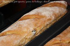 Baguettes du petit déjeuner,à la farine de petit épeautre, aux graines, abricots secs et pruneaux. +