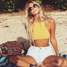 Back to the good life. from the_salty_blonde Back to the good life. by the_salty_blonde Back to the good life. by the_salty_blonde K K - Summer Hairstyles, Trendy Hairstyles, Blonde Back, Beachy Blonde Hair, Easy Style, Outfit Strand, Surfer Girl Style, Surfer Girl Hair, Surfer Girls