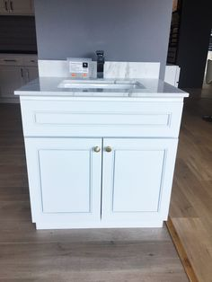 Vanity 760mm (SOLID WOOD) – JERRY KITCHEN & BATH LTD Pure White, Grey And White, Stone Bench, Engineered Stone, Cabinet Colors, Marble Top, Kitchen And Bath, Basin, Color Change