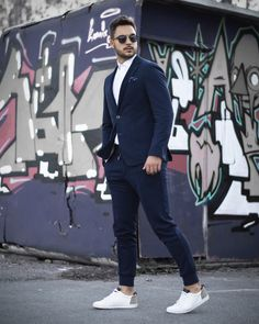 Street style comfortable men suit from urban collection Justin Paukin. Suits And Sneakers, Mens Suits, Navy Blue, Suit Jacket, Breast, Menswear, Street Style, Urban, Mens Fashion