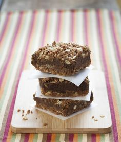 Date-Free Squares: a low carb, lower glycemic alternative to dates (and they'll never know!). #vegan #glutenfree