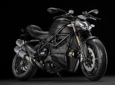 Beats ... ! - Ducati Streetfighter 848