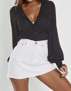Love Makes Your Strong Blouse Fiesta Outfit, Moda Vintage, Cute Casual Outfits, Look Cool, Clothing Items, Dress To Impress, Spring Outfits, Fashion Outfits, Stylish