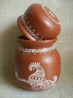 Afday : art for everyday Pottery Painting Designs, Pottery Designs, Pottery Art, Painted Plant Pots, Painted Flower Pots, Worli Painting, Ceramic Painting, Vase Crafts, Clay Crafts