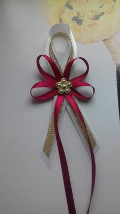 Diy Ribbon, Ribbon Bows, Handmade Flowers, Diy Flowers, Wedding Centerpieces, Wedding Favors, Diy Crafts For Gifts, Mothers Day Crafts, Gift Packaging