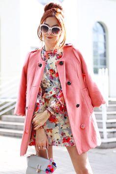 Look de outono não precisa ser só com cores sóbrias e tons neutros. Escolhi um vestido estampado e colorido para uma produção diferente!