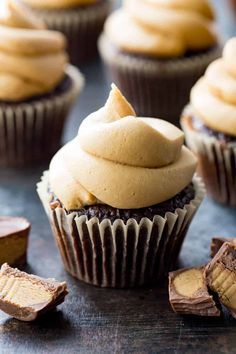 Peanut Butter Frosting: Thick, peanut butter frosting, perfect for topping chocolate cupcakes! The ultimate in luxurious, smooth, creamy, thick, frosting.