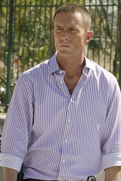 "Desmond Harrington Born October 19, 1976 (age 37) Savannah, Georgia, U.S. Residence Los Angeles, California , USA Occupation 	Actor in ""DEXTER"" Years active 	1999–present Height 5'10"" (1.78 m)"