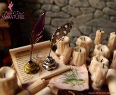 Pixie Dust Miniatures: Writing Quills for Wizards! scale dollhouse miniature Pixie Dust Miniatures: Writing Quills for Wizards! Haunted Dollhouse, Haunted Dolls, Diy Dollhouse, Dollhouse Miniatures, Wooden Dollhouse, Harry Potter Miniatures, Harry Potter Dolls, Harry Potter Diy, Fairy Furniture