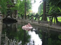 Lady In the Water  Jardin du Luxembourg, Paris