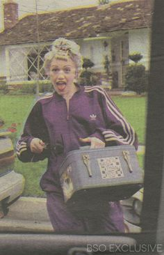 Flashback Friday! Exclusive clipping of Gwen Stefani taken before a show in March of 1996 http://beaconstreetonline.net/gwen-stefani/exclusive-rare-1996-clipping-of-gwen