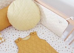Beautiful cot bumper for babies Alexandria Natural Nobodinoz. Selling On Instagram, Instagram Feed, Cot Bumper, Coton Biologique, Little Houses, Alexandria, Baby Room, Pattern, Design
