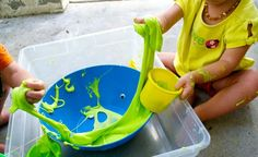 alien-monster-green children's summer-steady eye-mucus - Kids' Crafts for Diy and Crafts Easy Crafts For Kids, Diy And Crafts, Alien Party, Monster Party, Sensory Play, Halloween Themes, Slime, Kids Playing, Activities For Kids