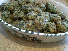 Low Carb, Gluten-free Spinach Balls - great appetizer!