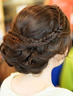 Hairstyle: Updo with a fishtail