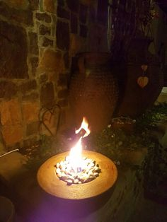 Nuutste toevoeging tot Desert Pots reeks. Small Fire Pits!! Beskikbaar in 2 groottes vir nou... Small: 28cm deursnee x 12cm hoog R250 Medium: 40cm deursnee x 15cm hoog: R290  (Klippies ingesluit) Brand met rook-vry olie/ gel. Bestellings & Navrae stuur epos:  Lorraine@desertpots.com