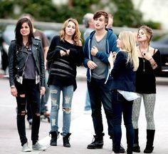 Lina Esco,Miley,Douglas,Ashley Hinshaw,Ahley Greene