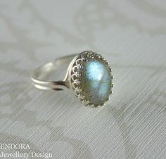 Labradorite ring,Sterling silver labradorite ring,labradorite cabochon ring,Silver labradorite ring,Adjustable ring,Cabochon ring I have