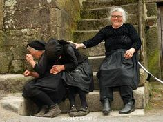 Portuguese women cracking up....via (amy druliner)