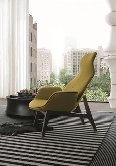 POLIFORM: Ventura Lounge armchair and Soori table